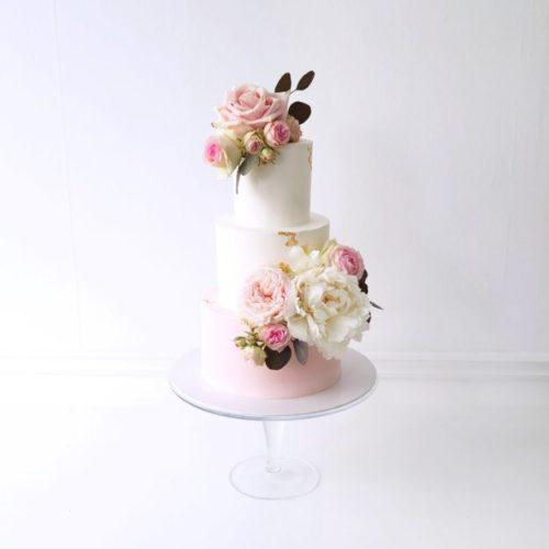 "Wedding Cake ""Blush Flowers"""