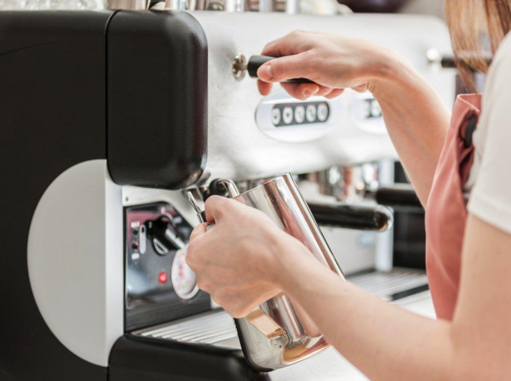 Kaffee und Tee genießen in der Zuckermonarchie
